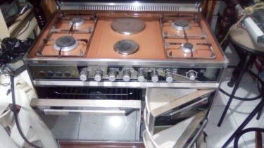 Stainless Steel 4 Gas + 2 Electric Stove