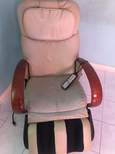 Head To Foot Electric Massage Recliner Chair