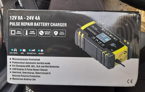 PLUSE REPAIR BATTERY CHARGE<br />  12V 8A 24V