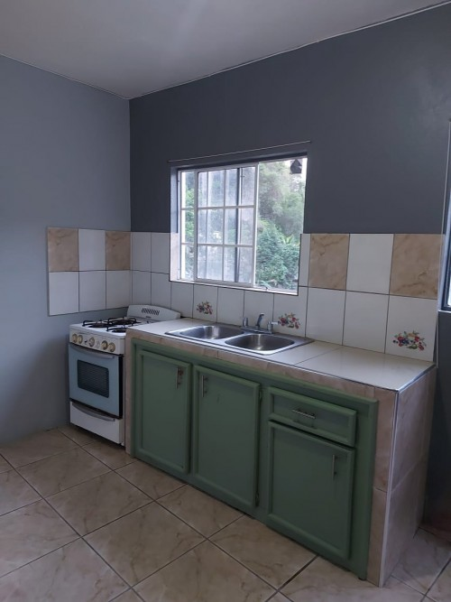 2 Bedroom, 1 Bathroom With Own Kitchen And Dining.