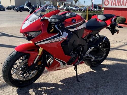 2017 Suzuki Gsx-r For Sale WhatsApp+14752216764