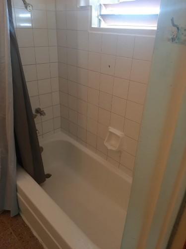 1 Bedroom W/bathroom
