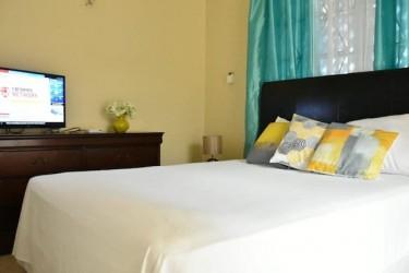 2 Bedrooms, 2 Bathrm Worthington Apt