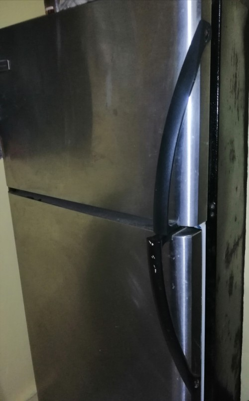 Frigidaire 18 Cu, Stainless -- Need Compressor