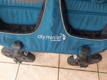 Used DOUBLE STROLLER For Twins/ 2 Babies