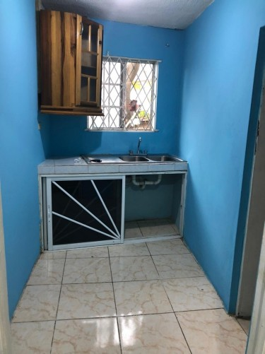 Furnished 1 Bedroom  Houses Cumberland