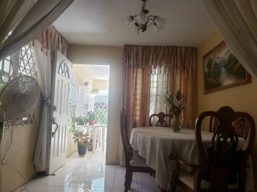 5 Bedroom Income Earner House For Sale