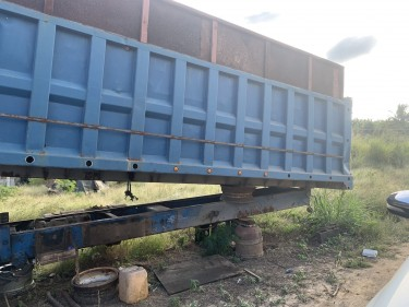 Dump Truck Body W/ Chassis