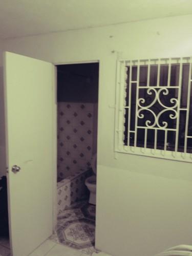 1 Bedroom Own Bathroom Share Kitchen