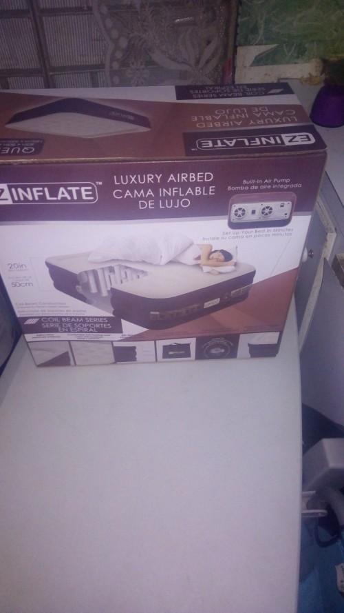 Self Inflatable Bed (Queen)