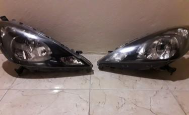 2011-2013 Honda Fit RS HID Headlights (Used)