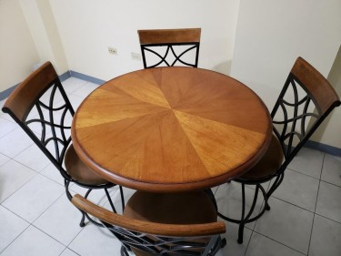 4 SEATER DINING TABLE WITH CHAIRS