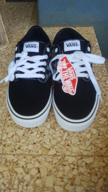 Brand New Off The Wall Vans