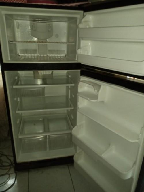 21 Cubic Refrigerator