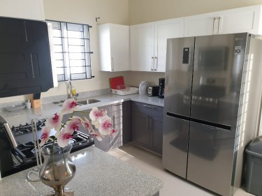 Oceanpointe Furnished 2 Bedroom