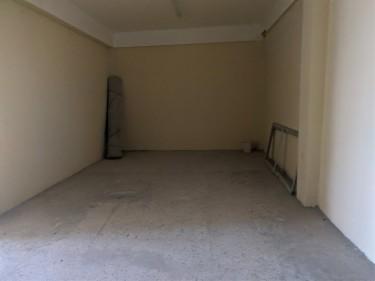 Commercial-1st Floor Shop Space-Dunrobin Ave