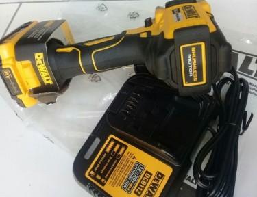 DEWALT 20 Volt Impact Wrench