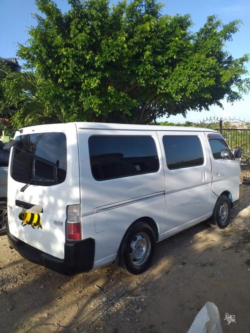 2006 Nissan Caravan
