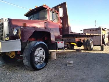 Mack Truck Flat Bed