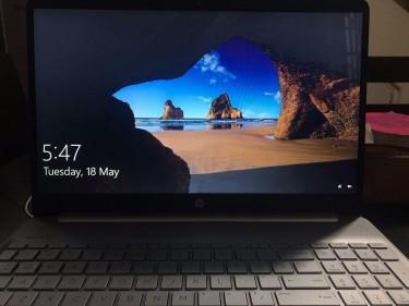 "HP Windows 10 15.6"" Touchscreen"