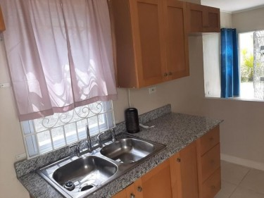 Beautiful 2 Bedrooms Home Is Ready For Move In!