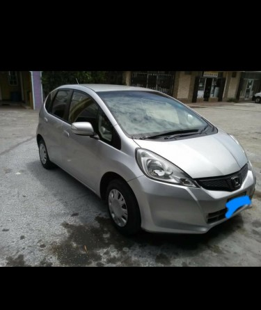 2012 HONDA FIT FOR SALE(LOW MILAGE) LADY DRIVEN