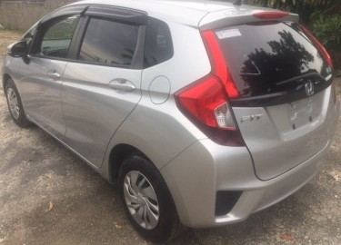 2015 HONDA FIT (NEWLY IMPORTED)