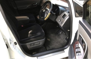 2012 Toyota Mark X Zio