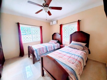 2 Bedroom Furnished Apt. Discovery Bay, St. Ann