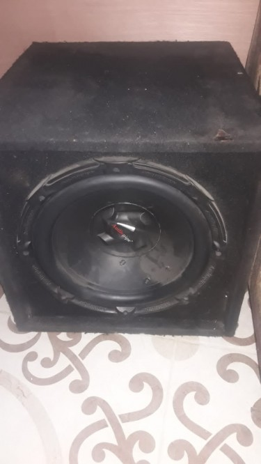 CAR AUDIO SOUND, STEREO, SPEAKERS, AMPLIFIER