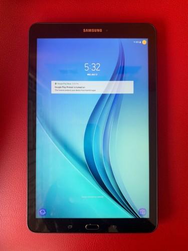 """9.6"""" Samsung Galaxy Tab E With 16GB Storage, Wi-Fi"""