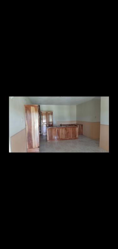 Hide-Away 1 Bedroom Apartment