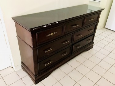 7 Drawer Mahogany Wood Dresser With Glass Top