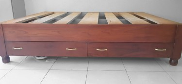 Queen Size Bed Base With Draws