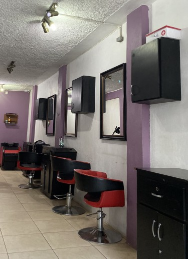 Hairstylists And Nail Tech Space For Rent