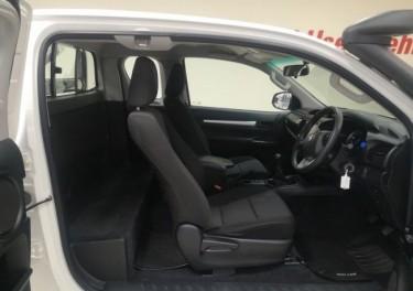 Toyota Hilux XC 2.4GD6 RB SRX MT For Sale