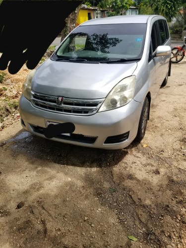 2011 Toyota ISSIS