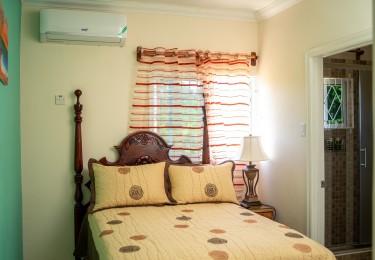 2 En Suite Bedrooms - Guest Apartment