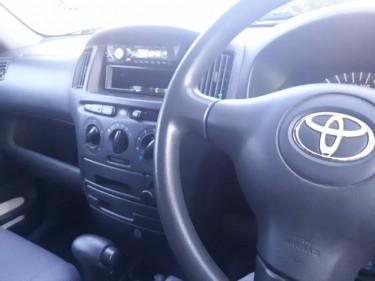 Toyota Succeed 2005