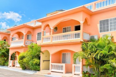 2 Bedroom House (Real Estate)