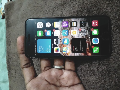 IPhone 8. 256gb Good Condition 40kNEG