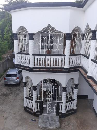 13 Bedroom House In Ocho Rios