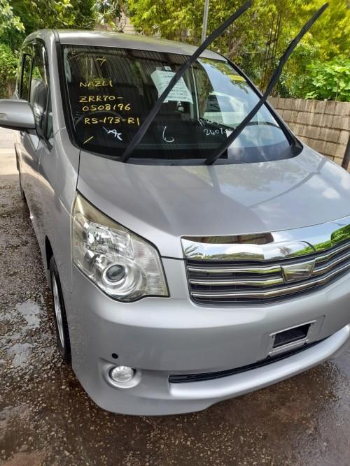 2012 Toyota Noah New Import