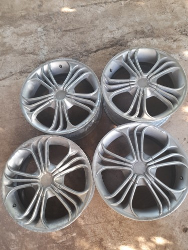 Universal 4lug 17 Rims and Tyres May Pen