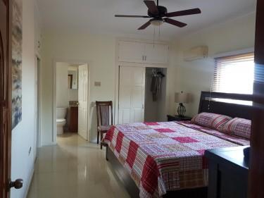 2 Bedroom Apartment - Liguanea Apartments LIGUANEA